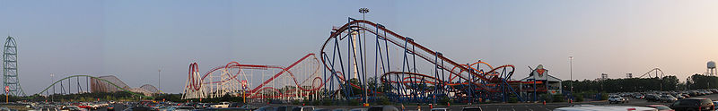 Panoramabeeld van Six Flags Great Adventure. Van links naar rechts: Kingda Ka, El Toro, Bizarro, Rolling Thunder (verdwenen), Great American Scream Machine (verdwenen), Superman: Ultimate Flight, Batman en Robin: The Chiller (verdwenen) en Nitro.