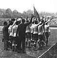 Salut de l'équipe d'Uruguay, avant la finale des JO de 1924.jpg