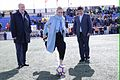 Saque de honor del II Torneo de Fútbol Cadete Villa de Alalpardo que homenajea a Vicente del Bosque (33613140203).jpg