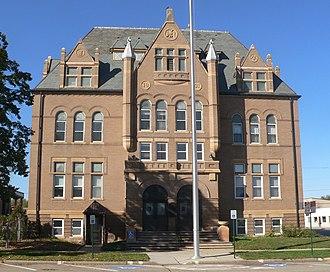 Yankton County, South Dakota - Image: Scottish Rite Masonic Center (Yankton SD) from E 1