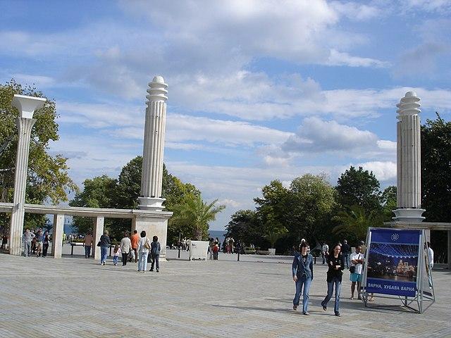Central entrance Sea Garden