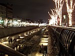 Seoul Cheonggyecheon at night.jpg