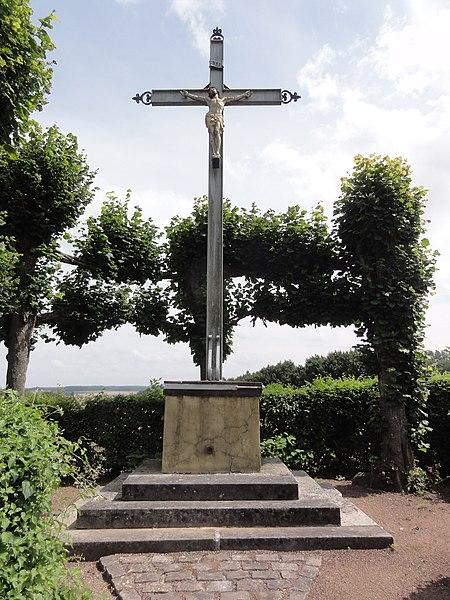Serain (Aisne) croix de chemin