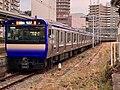 Series E235-1000 F-05 in Yokosuka Station 01.jpg