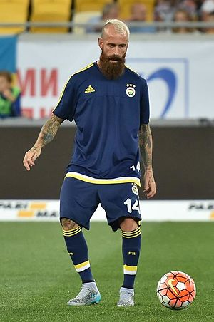 Raul Meireles - Meireles playing for Fenerbahçe in 2015