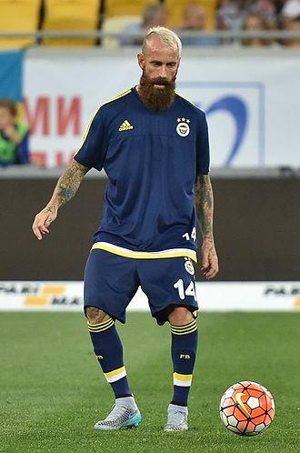 Raul Meireles - Meireles playing for Fenerbahçe in 2015