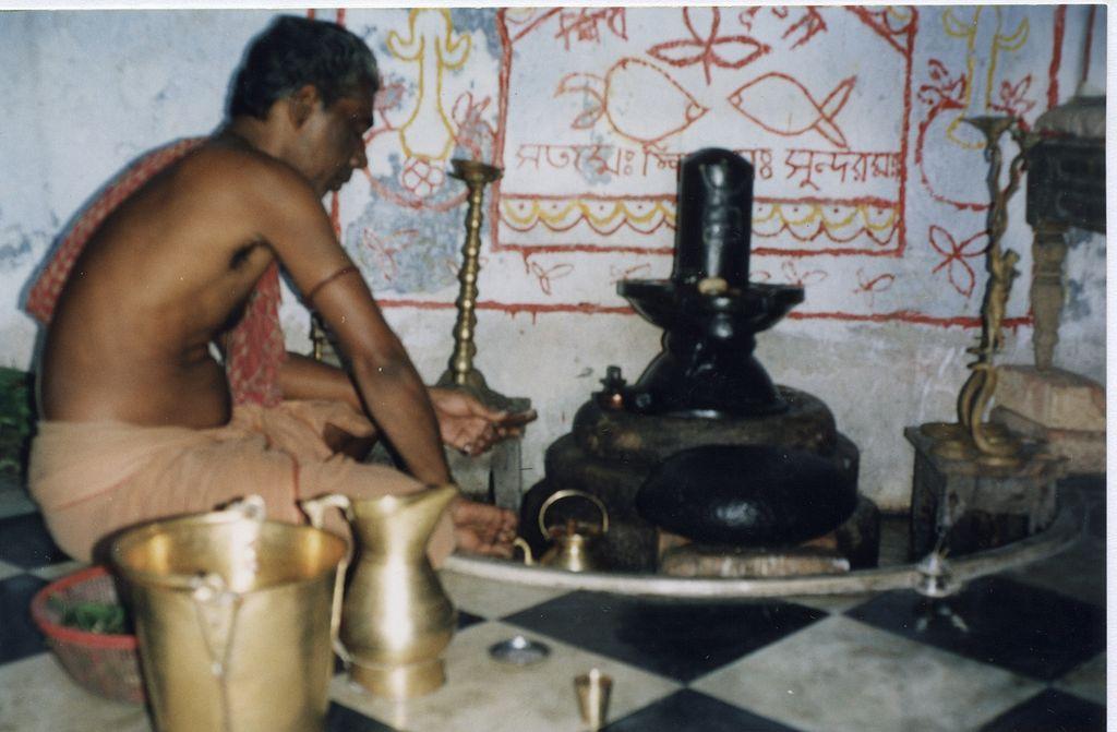 india bimbo decapitato