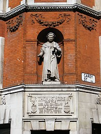 Sir Thomas More, sculpture by George Sherrin, corner of Serle and Carey Street,London WC2.jpg