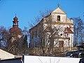 Slatina u Velvar, kostel, od silnice (03).jpg