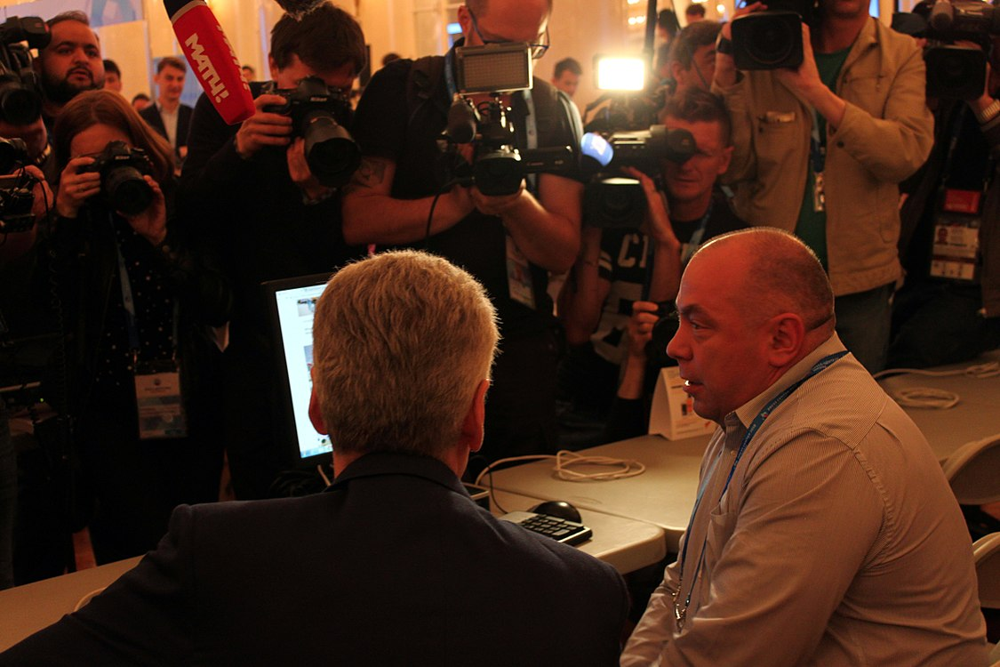 Sobyanin in the Moscow press-center (2018-06-05) 01.jpg