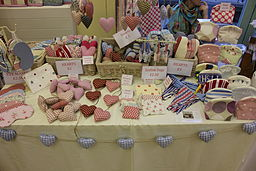 http://upload.wikimedia.org/wikipedia/commons/thumb/b/b6/St_Briavels_Art_and_Craft_Fair_2012_14.JPG/256px-St_Briavels_Art_and_Craft_Fair_2012_14.JPG