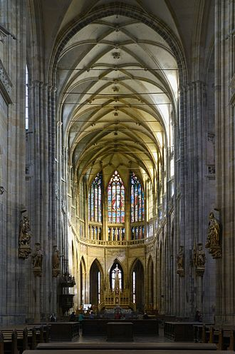 St. Vitus Cathedral - Cathedral nave and sanctuary