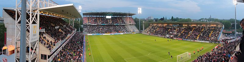 File:Stade Saint-Symphorien, Metz (14219545488).jpg
