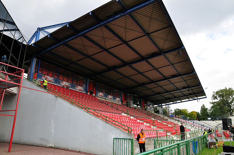 File:Stary stadion Widzewa - trybuna A (2).jpg