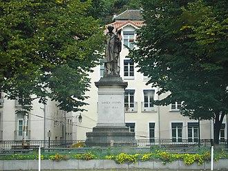 Henri Ding - Image: Statue Xavier Jouvin
