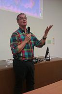 Stephen Friend at NightScience 2013 in Paris.jpg