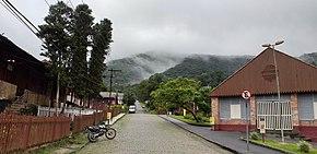 Calle con casas en Paranapiacaba, Brasil 1252-T-87.jpg