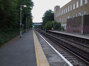 Sutton Loop Line - Sutton platform 2 looking towards West junction with the St Helier Line