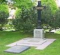 Sven Lidman grave.jpg