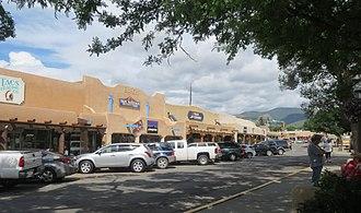 Taos Downtown Historic District - Image: Taos Plaza 8