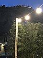 Tempio di Giove Anxur visto dal mare di notte.jpg