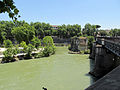 Tiber and Ponte Palatino (15051892587).jpg