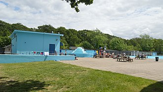 North standing and aerator Tooting Bec Lido, north standang.jpg