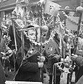 Traditionele paastochten door de Jordaan, reportage, Bestanddeelnr 916-2071.jpg