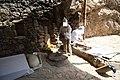 Traditionelle Lavash-Herstellung an der Straße nach Noravank.jpg
