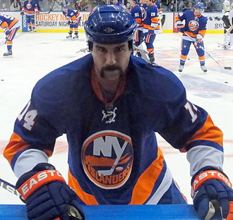 Trevor Gillies - Gillies warming up with the Islanders.