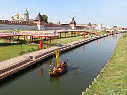 Tula embankment 2018 09 08.jpg