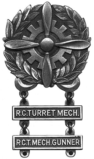 Army Air Force Technician Badge - Image: USAAF Tech Badge BW