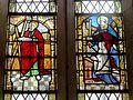 Ully-Saint-Georges (60), église Saint-Georges, collatéral sud, vitrail de saint Pierre.JPG