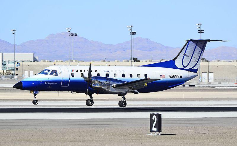 File:United Express N568SW 1998 Embraer EMB-120ER C-N 120343 - SkyWest Airlines (5597579536).jpg