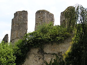 Joan of Ponthieu, Dame of Epernon - The ruins of the medieval castle of Vendôme, home of the Counts of Vendôme