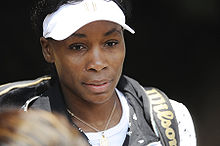 Venus Williams at the 2009 Wimbledon Championships 01.jpg