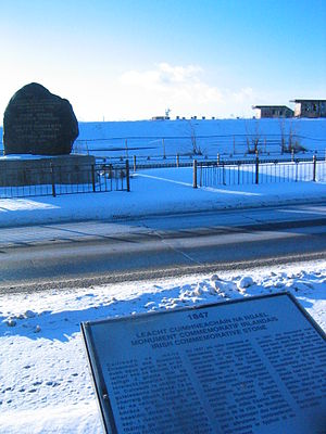 Goose Village - The Black Rock on Bridge Street, with plaque.