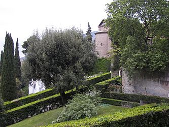 Villa d'Este garden 6.jpg