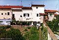 Villa del Bandino - retro davanti al giardino.jpg