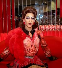 Violet Chachki at DragCon, April 2017.png