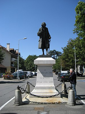 Ferney-Voltaire - Statue of Voltaire in town's center