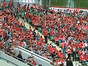 Ein rotes Meer von Volunteers. Hier beim Eröffnungsgottesdienst für die Freiwilligen in der BayArena Leverkusen