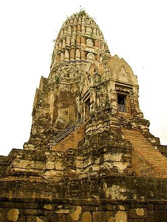 Mortal Kombat (film) - The Wat Ratchaburana, Ayutthaya used as the place of confrontation between Liu Kang and Raiden
