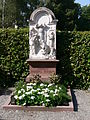 Weingarten Kreuzbergfriedhof Familie Eberhard.jpg