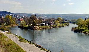 Zusammenfluss von Werra (links) und Fulda (rechts) zur Weser (vorn)
