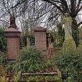 West Norwood Cemetery – 20180220 102700 (39667701134).jpg