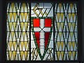 Wien-Penzing - Gemeindebau Lenneisgasse 11-13 - 2 - Bleiglasfenster mit Stadtwappen im Hofdurchgang.jpg