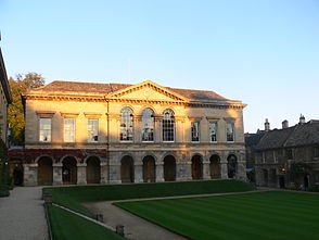 Worcester College - Main Quad - Entrance building.jpg