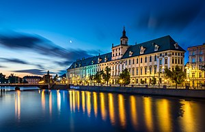 Vroclava: Wroclaw - Uniwersytet Wroclawski o poranku