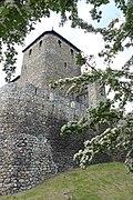 Zamek będziński położony na wysokiej skarpie na lewym brzegu Czarnej Przemszy stanowi przykład budownictwa obronnego z połowy XIV w 3.jpg